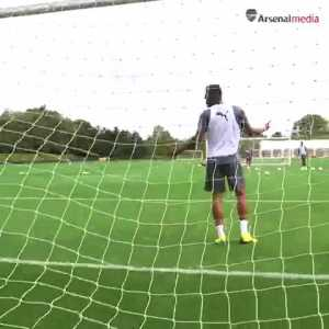 Aubameyang: 3 games without scoring!! they found me a new job 😆😂😂💪🏽