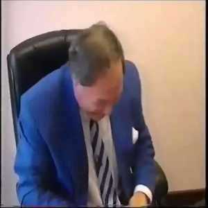Barry Fry negotiating a contract with a player in 1997. Great little behind the scenes video of how contract negotiations went down.