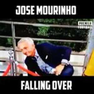 He went down quicker than Man Utd's title hopes this season 😂😂