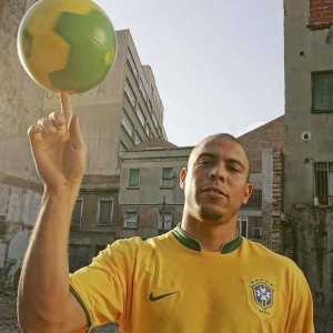 "Ronaldo: ""During my generation, the competition was much tougher than it is now, without wanting to speak less of Lionel Messi and Cristiano Ronaldo. In my day, the stars were Zidane, Rivaldo, Figo, Ronaldinho and me. It was a better generation."""