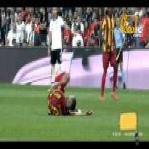 Gary Medel (Besiktas) second yellow card vs. Yeni Malatyaspor