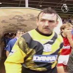 A Paul Rideout brace ⚽️⚽️ and a long range rocket 🚀 from Ian Woan in this 5️⃣ goal thriller between Nottingham Forest and Everton Football Club   OnThisDay