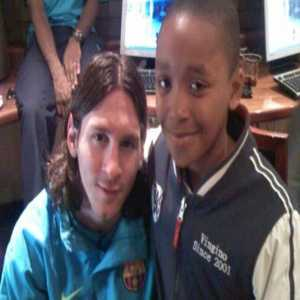 In 2008, PSV winger Steven Bergwijn visited Barcelona as a child and stayed in the same hotel as the players, including Messi. Tomorrow, they will meet again in the Champions League.