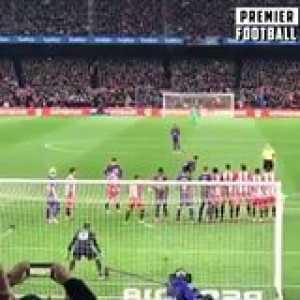 Lionel Messi is La Liga's new free-kick king 👑  He's just too good...