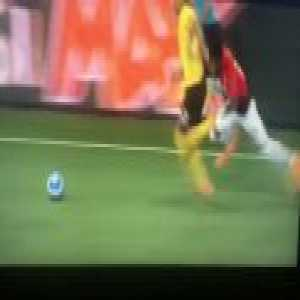 Kevin Mbabu (Young Boys) run vs. Manchester United