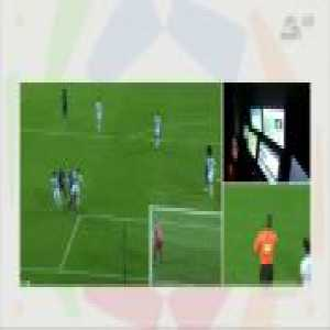 Al Hilal [3]–0 Al Batin - Bafétimbi Gomis penalty (penalty call + VAR review)
