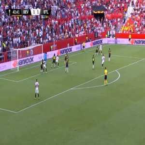 Sevilla [2]-1 Standard Liège - Franco Vazquez 41'