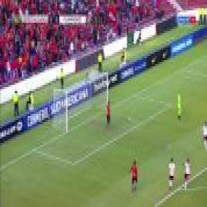 Everaldo scores for Fluminense against Deportivo Cuenca (0-1)