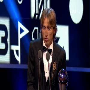 Zvonimir Boban crying after Luka Modric mentioned him as his idol and inspiration in his speech