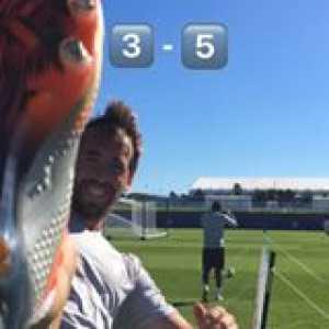Christian Fuchs and Ricardo Pereira 🆚Vicente Iborra and Adrien Silva  Who wins this match of Head Tennis? 🎾⚽️  (📹 @lLeicester City Football Club)