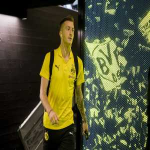Marco Reus will not join the German National Team and will instead stay in Dortmund to undergoe knee treatment