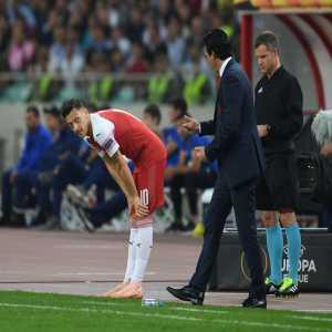 Mesut Ozil misses Fulham vs. Arsena due to a back spasm