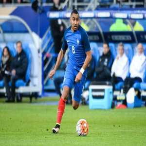 Dimitri Payet replaces injured Nabil Fékir in the France squad.
