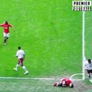 Throwback to Ronaldo HUMILIATING Arsenal 😂