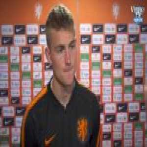 Matthijs de Ligt is asked what club he prefers; Manchester City or Barcelona