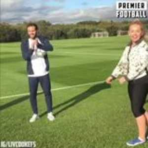 Liv Cooke showing Juan Mata how it's done 😎  Girl got skills 🔥