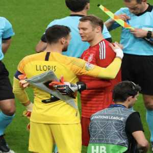 """Hugo Lloris on Manuel Neuer: """"There is no doubt about him. He's such a fantastic player. For me, he's simply the best."""""""