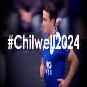 Chilwell signs a new contract with Leicester City until 2024.