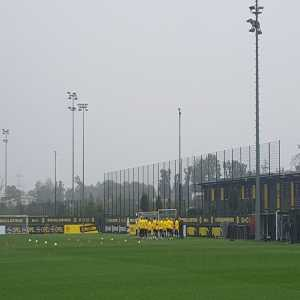 Paco Alcácer misses BVB training.