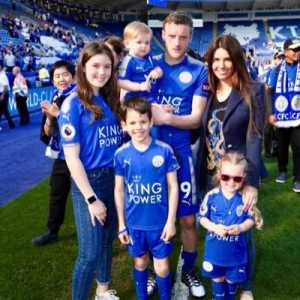 Jamie and Rebekah Vardy are auctioning off their executive box for Saturday's game against Burnley as well as a signed pair of Jamie's boots worn during the match vs. Cardiff. All proceeds will go to the Vichai Srivaddhanaprahba Foundation