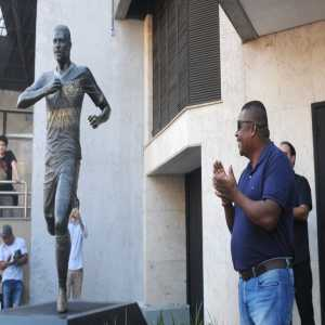 A statue of Pedro Rocha was unveiled in Porto Alegre today. Pedro Rocha played for Grêmio from 2015 to 2017. The statue costs have been paid by Pedro Rocha's father.