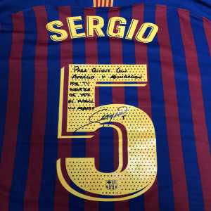 The day Sergio Busquets dedicated his shirt to his new manager