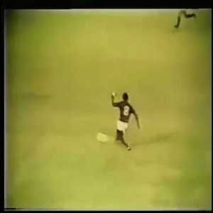 Flashback to 1979 when Zico produced an outrageous dummy in a game with AD Niterói.
