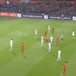 Frenkie de Jong's tackle on N'Golo Kanté