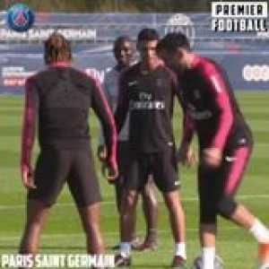 Buffon pulling out the tekkers in training 👀😂