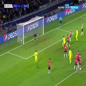 PSV Eindhoven 0:[2] FC Barcelona - Gerard Pique 70'
