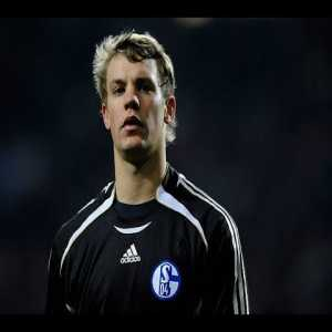 With Porto vs Schalke on later today, I was reminded of Manuel Neuer's performance against Porto 10 years ago, and what a performance it was.