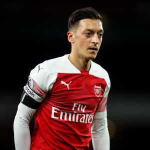 Ozil out of North London Derby due to back spasms