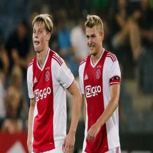 De Jong and De Ligt have told Marc Overmars that they would be very excited if they were able to sign for the same team. [catradio]