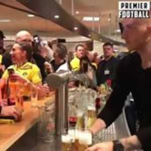 Marco Reus... full-time goalscorer, part-time barman 😂🍺