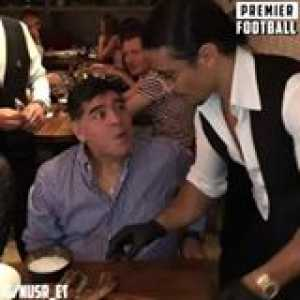 Find someone who looks at you the way Maradona looks at Salt Bae 😍