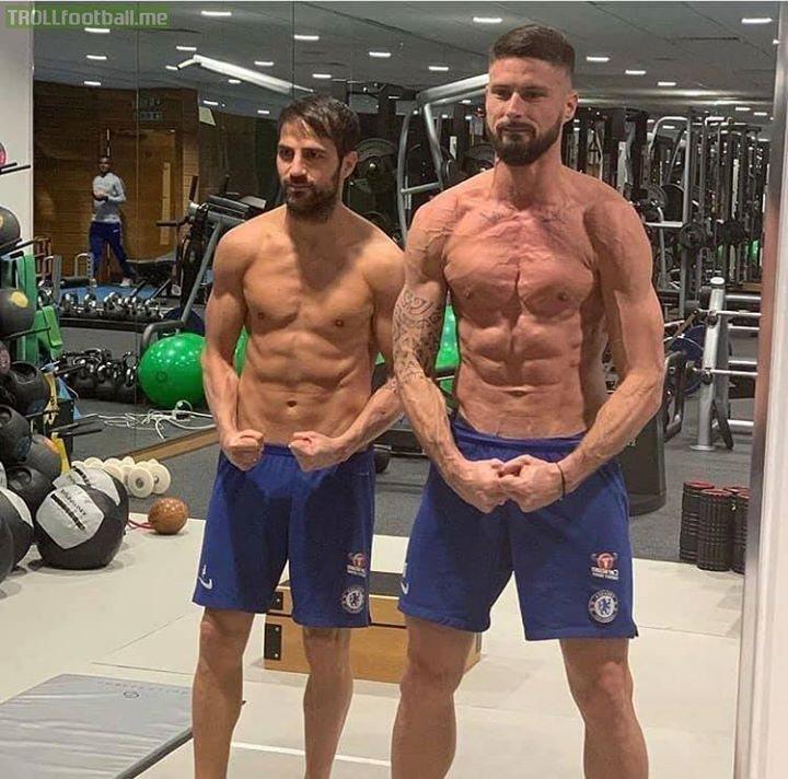 Olivier Giroud looks like he's one paper cut away from bleeding to death.