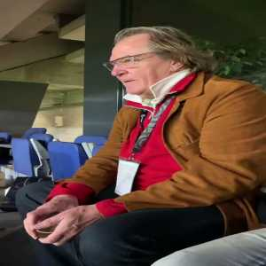 Ray Hudson reacting to Messi's FK