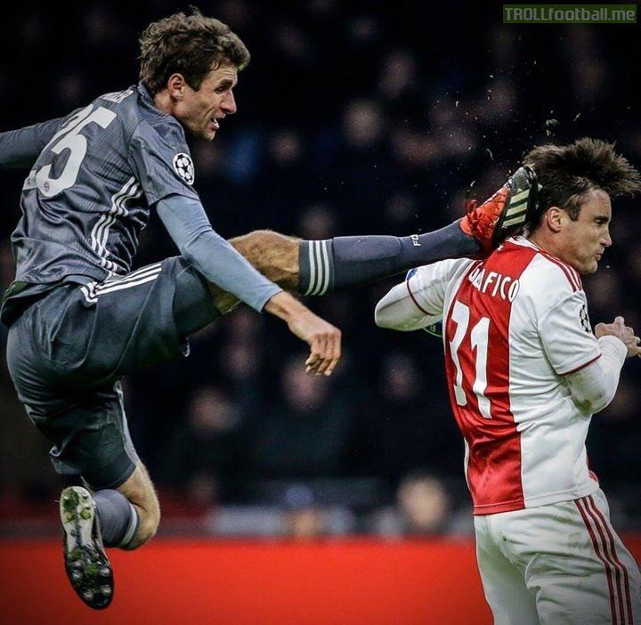 Muller doing his best impression of the Bundesliga logo