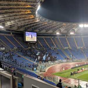 [Lazio - Eintracht Frankfurt] Comparison between number of fans in the home curva vs the away curva