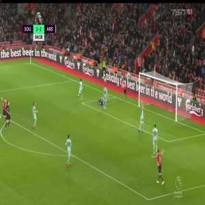 Southampton [3]-2 Arsenal: Austin