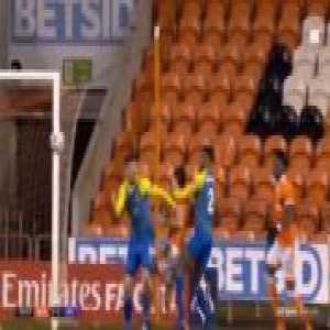 Blackpool 2-[2] Solihull Moors - Adi Yussuf penalty 51'