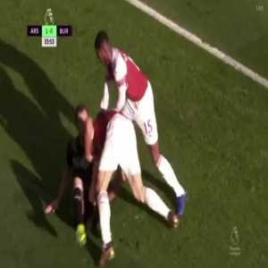 Sokratis duel with Barnes