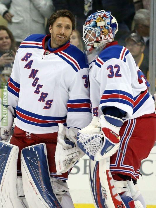 Buffon's doppelganger is a goalie in the NHL