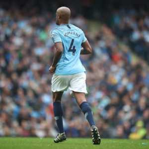"""Vincent Kompany outraged on the recent racist events: """"Really!? Koulibaly racially abused at San Siro. Raheem Sterling at Stamford Bridge.. This is unacceptable! Elected politicians set the tone with divisive rhetoric granted but some level of reason has to return!"""