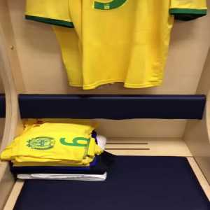 Will he, won't he? Nantes post video of Sala's dressing room kit ahead of tonight's match against Nîmes. Previous rumors today had him out of the squad for a move to Cardiff City.