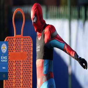 Jamie Vardy turns up for training as Spider-Man