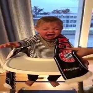 Poor kid 😝