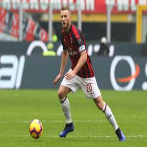 Against Genoa, Ignazio Abate plays his 300th game for AC Milan in all competitions.