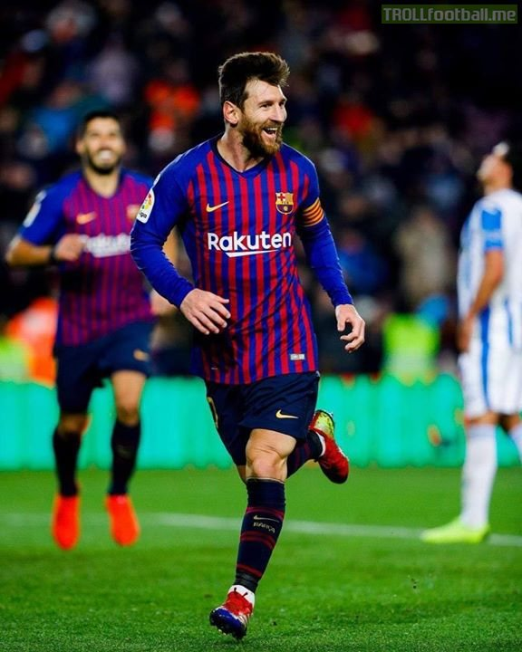 """In every single season since 2008, Lionel Messi has scored:  - A right foot goal - A left foot goal - A header - A penalty - A free-kick  """"He only has one skill"""" - Pelé 👀"""