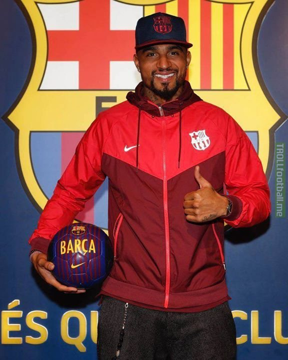 And the 2019 award for Most Random Signing goes to Kevin Prince Boateng joining Barcelona 🏆